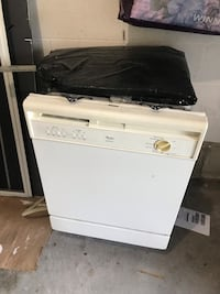 White dish washer Mississauga, L5M 6K8