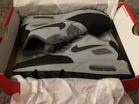 Nike gray-black size 9 (almost new)  Elizabeth, 07206
