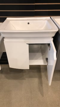 "24"" Bathroom Vanity  Vaughan, L4L"