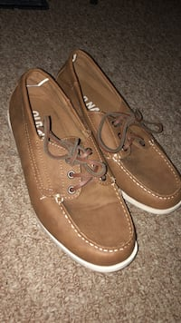 Men's old navy boat shoes size 9
