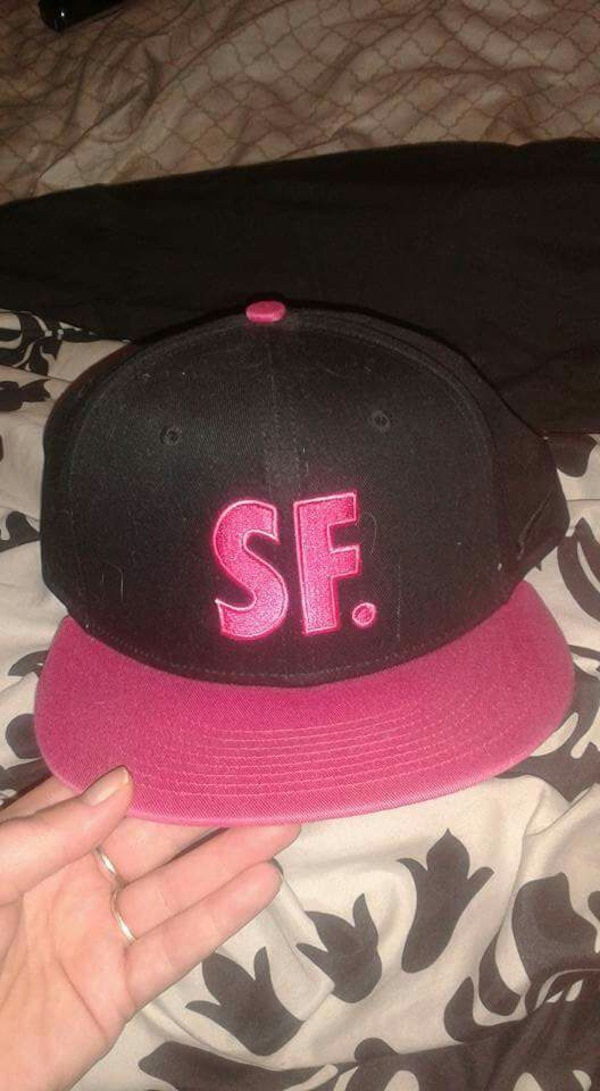 7c0115f3e sanfransisco Nike hat hot pink and black