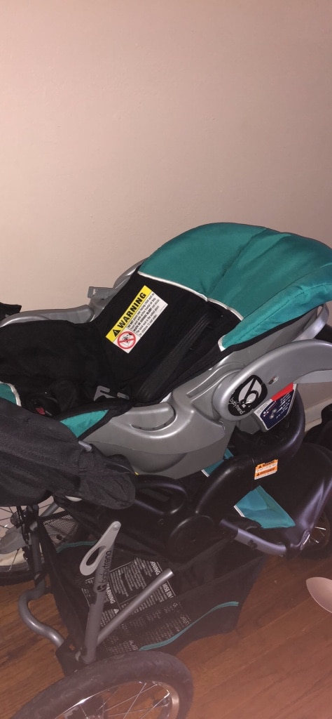 Photo Baby trend car seat and stroller ans a cover. car seat for free