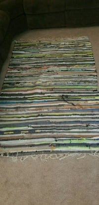 Colorful area rug Middletown
