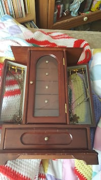brown wooden jewelry chest Opelika, 36804