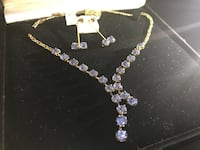 Gold necklace with blue zirconia with ear rings