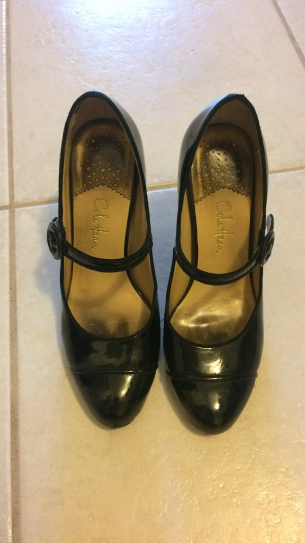 wholesale dealer 31bdf 25785 Cole Hann Nike Air black heels in size 5. most comfortable shoes but needs  some