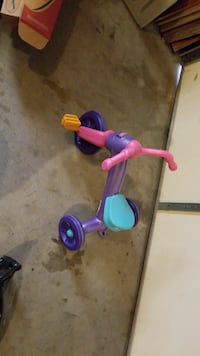 Toddler tricycle gently used