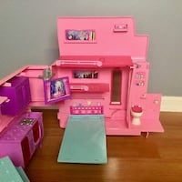Barbie and Her Sisters in a Pony Tale Pink 2 In 1 RV Edmonton