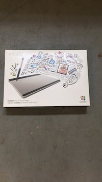 Brand new Wacom intuos touch tablet without pen Herndon, 20171