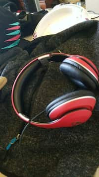 528083ef435 Used Black and gray corded headphones for sale in Longview - letgo
