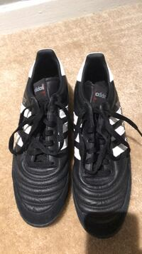leather adidas rubber cleats   9.5 Alexandria, 22314