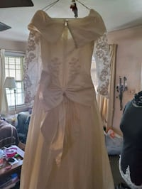 Wedding dress WILL ACCEPT BEST OFFER! Essex, 21221
