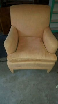 very good sofa chair in orange color Waterford, 48329