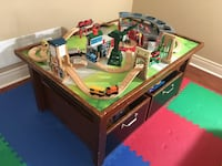 Pottery barn table and Thomas the train set Vaughan, L4H