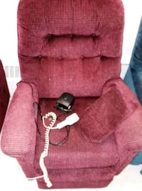 Electric recliner. Excellent condition.  Vancouver, V5P 3M9
