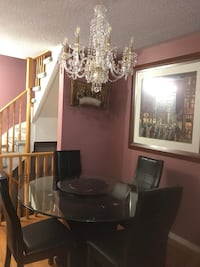 Dinning table set in good condition, like in, flammant, pet free, smoke free home. Comes with lazy susan. 4 chairs + 2 Toronto, M9N 3C3