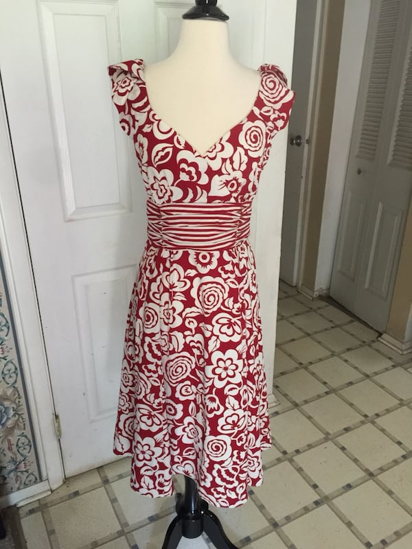 Women's red/white floral sleeveless dress 3b4a4eb3-4f68-4273-aaa2-42a291fbcc87