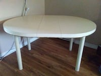Dinning table with four chairs Brampton, L6S 2J8