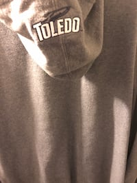 Men's xxxl Toledo hoodie , fits more like a xl or XX tho. Special details on hood and sleeve Toledo, 43612