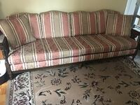 Beautiful antique couch set Vaughan, L6A 3Y3