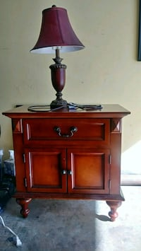 Nice night table with drawers & lamp San Francisco, 94103