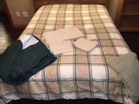 Full size reversible comforter with bedskirt, pillowcases, top sheet East Peoria