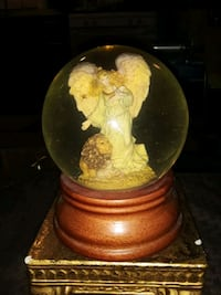 VINTAGE SNOW GLOBE ANGEL OF PEACE MUSICAL BY ROMAN Providence
