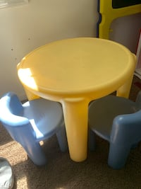 baby's yellow and blue high chair Accokeek, 20607