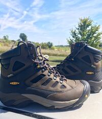 Pair of brown-and-black Keen hiking boots Mitchellville, 50169