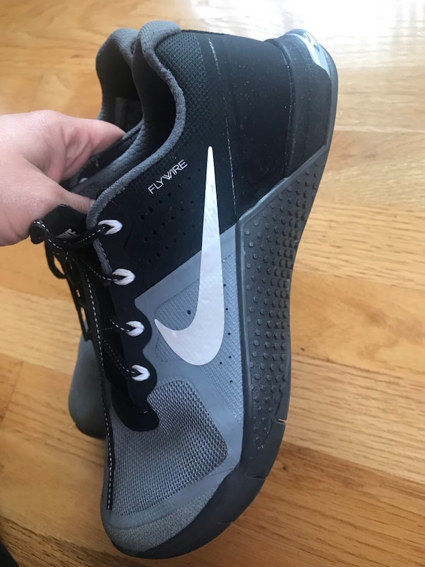 d01338cf2a96 Used Women s Nike Metcon 2 Flywire for sale in Whittier - letgo