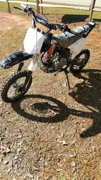 Brand new coolster 125cc youth dirt bike  Campobello, 29322