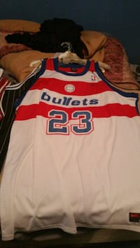 white and red Chicago Bulls 23 jersey Savannah, 31405