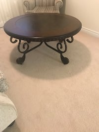 Coffee table Mississauga, L5M 7M7