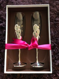 2 champagne glass Los Angeles, 90034