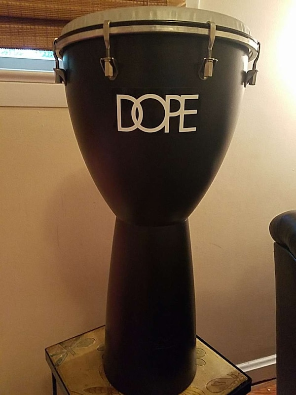 Remo advent djembe drum