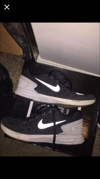 black and white nike low top sneakers Indianapolis, 46268