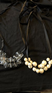 2 Ribbon Necklaces (pearl & clear)