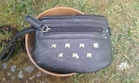 black leather studded wristlet Victoria, V8W