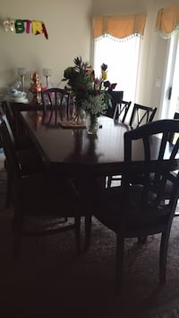 Dining room table and 8 chairs and cabinet Richmond Hill, L4B 4B5