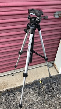 Black and gray tripod stand Louisville, 40218