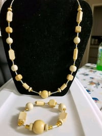 white and brown beaded necklace Anaheim, 92801
