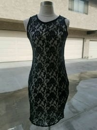 women's black and gray floral sleeveless dress