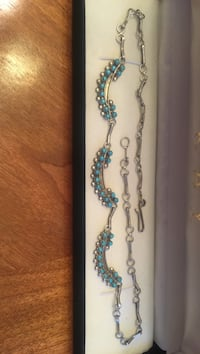Vintage turquoise and silver petit point necklace!
