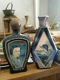 two blue ceramic containers Tyler, 75706