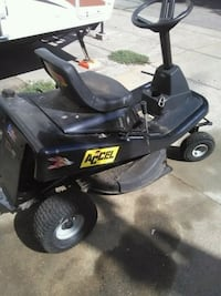 Murray Riding Mower.  Haltom City, 76117