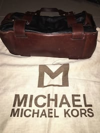 Michael Kors genuine leather, black with brown accents handbag Toronto, M5E