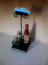 SALT AND PEPPER TABLE DISPLAYS NEW