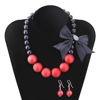 Brand new Black and pink beaded necklace Surrey, V4N 6X5