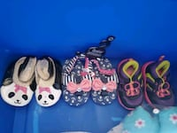 Baby shoes $4 each  size 2