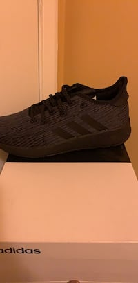 Brand new women adidas 7.5 Windsor Mill, 21244